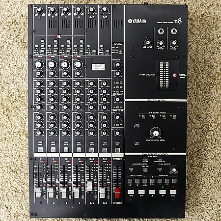 YAMAHA - Mesa Digital 8 Canais c/ Interface e Fonte N-8