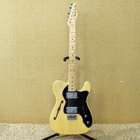 FENDER Guitarra Thinline Classic 72 Limited Edition Honey Blonde c/ Case Paralelo